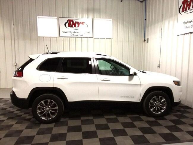 New 2019 Jeep Cherokee LATITUDE PLUS FWD Sport Utility Belle Plaine IA