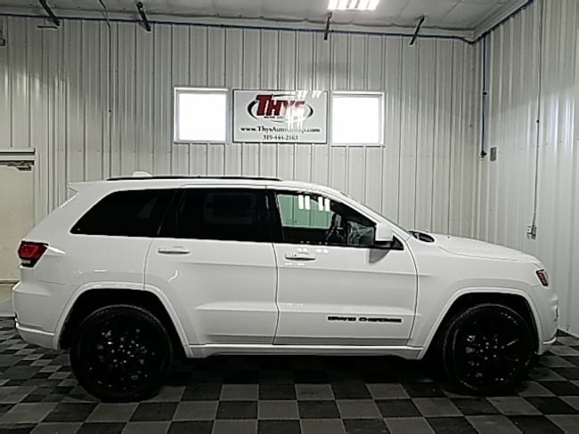 New 2019 Jeep Grand Cherokee ALTITUDE 4X4 Sport Utility Belle Plaine IA