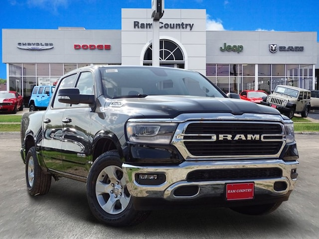 2019 Ram 1500 BIG HORN / LONE STAR CREW CAB 4X2 5'7 BOX Crew Cab 1C6RREFT8KN567999 for sale in Mineral Wells, TX at Ram Country