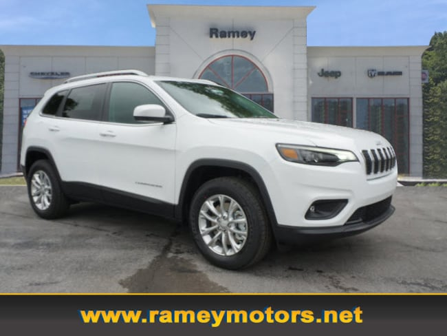 New 2019 Jeep Cherokee LATITUDE 4X4 Sport Utility in Princeton WV