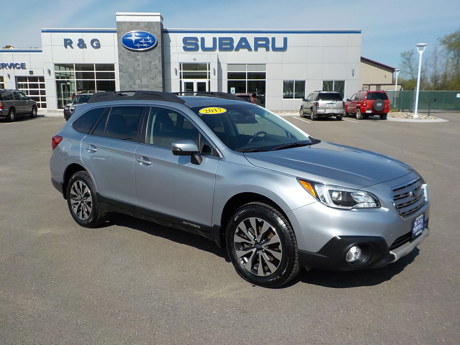 2017 Subaru Outback 2.5 Limited, Eyesight, GPS, New Tires, As Low As .99% APR SUV