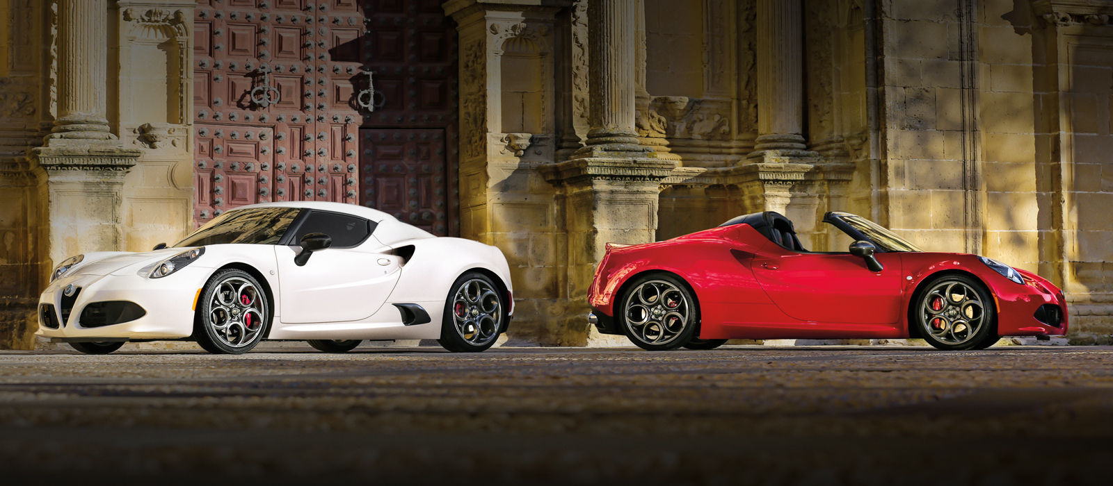 Alfa Romeo 4C Coupe vs Spider