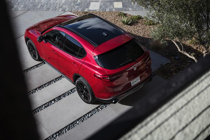 Alfa Romeo Stelvio Nero Edizione NJ