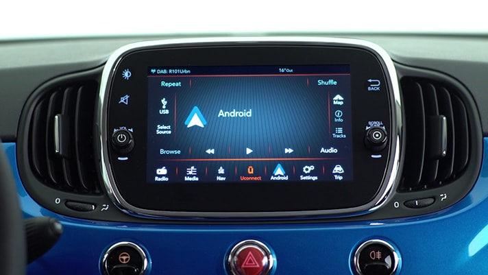 An In-Depth Look at the New 2018 FIAT 500X Uconnect Radio