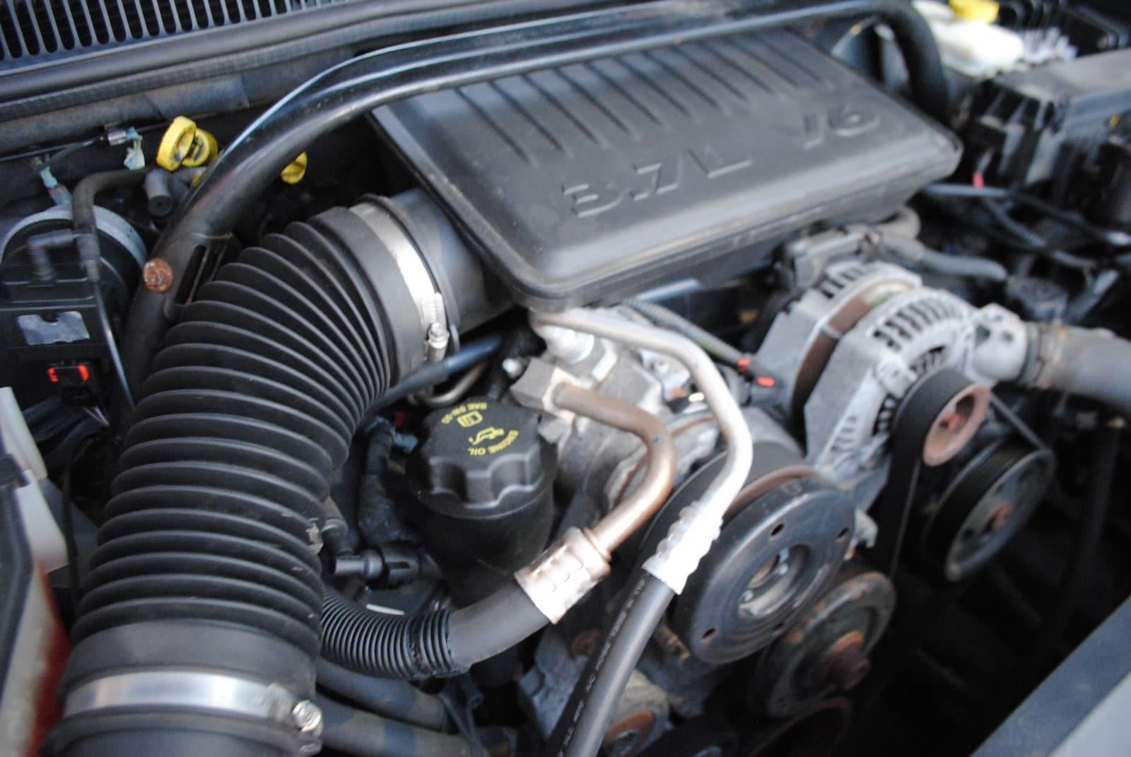 ... 2005 Jeep Grand Cherokee Laredo 3.7 SUV ...