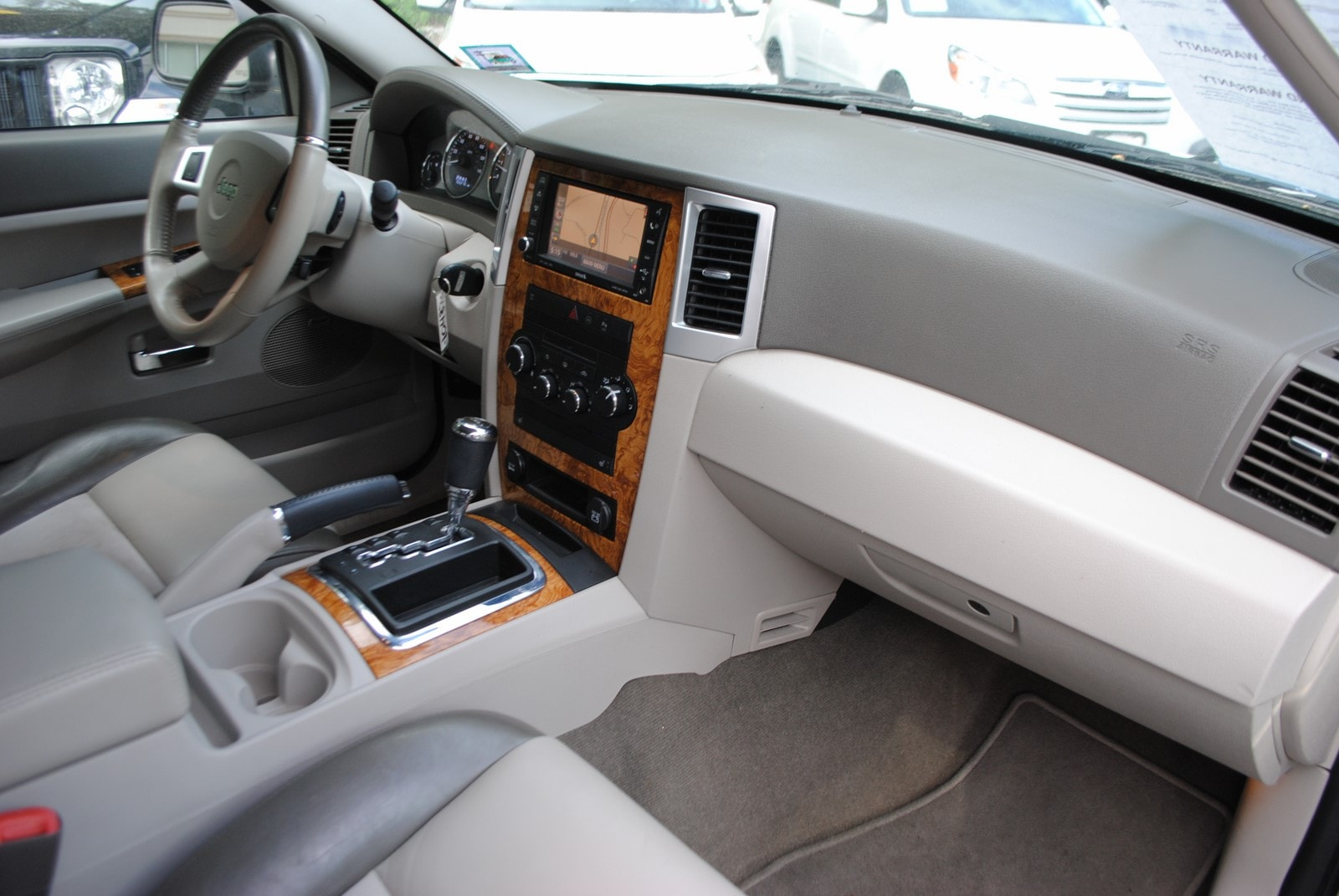 ... 2009 Jeep Grand Cherokee Limited 3.7 SUV ...