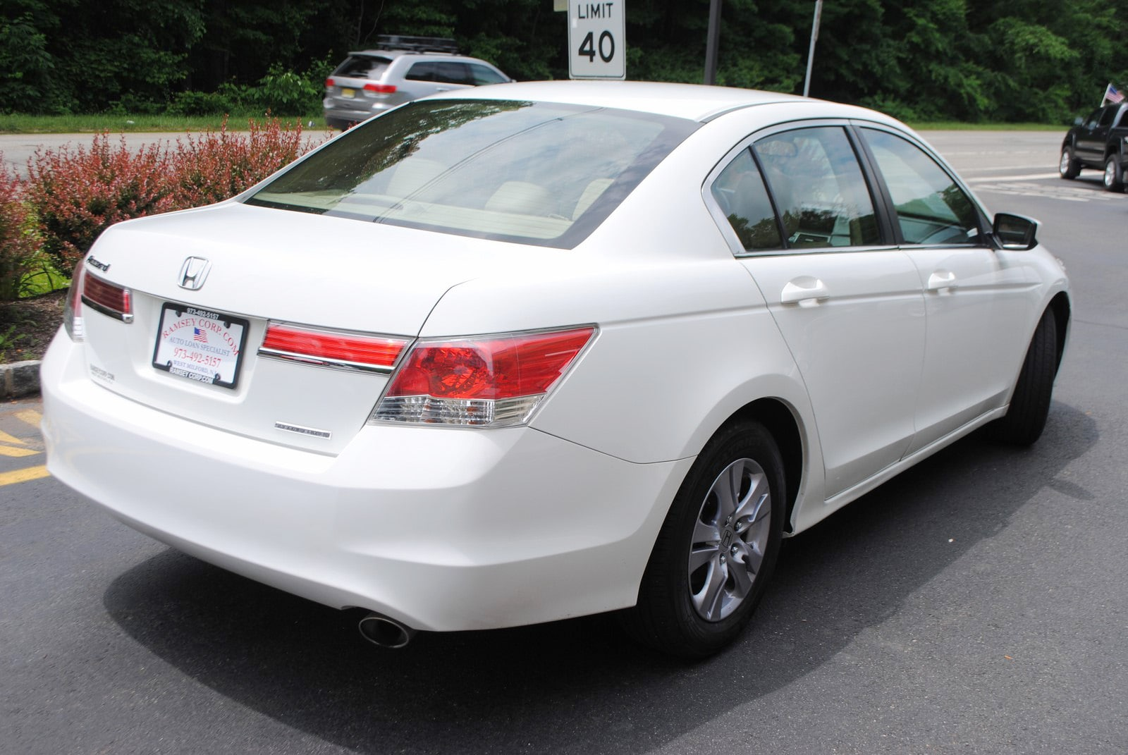Nice ... 2012 Honda Accord SE 2.4 Sedan ...