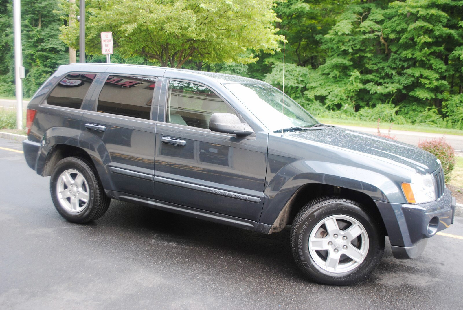 ... 2007 Jeep Grand Cherokee Laredo 3.7 SUV ...