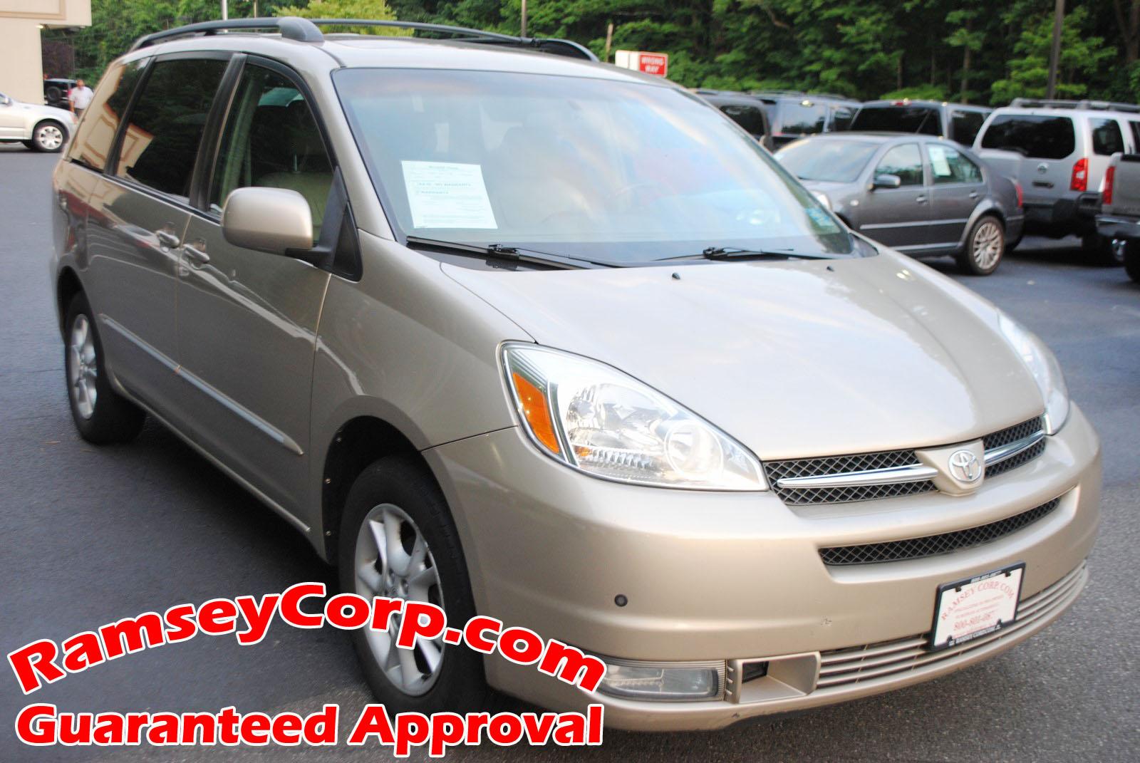 2004 Toyota Sienna XLE Limited 3.3 Van