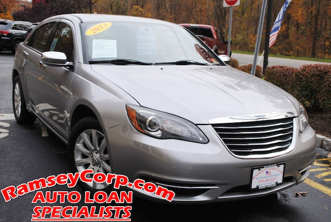 2013 Chrysler 200 Limited 3.6 Sedan