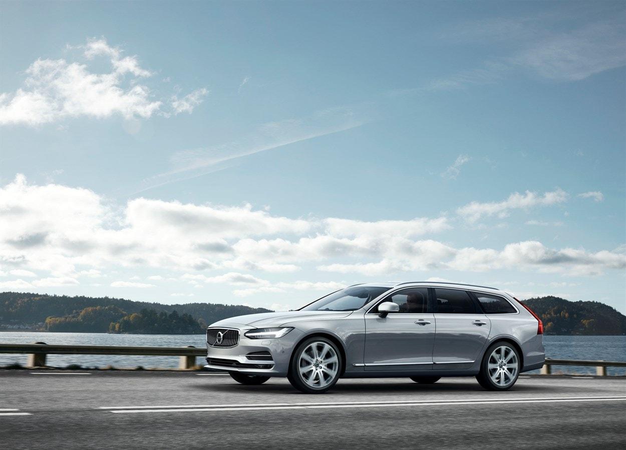 2019 Volvo V90 Awards