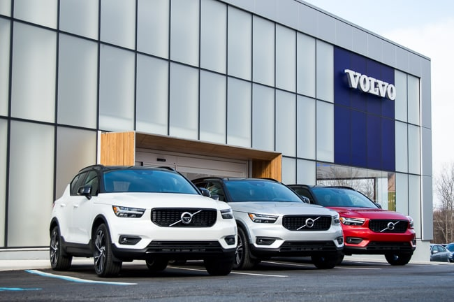 2019 Volvo XC40 Momentum R-Design Inscription