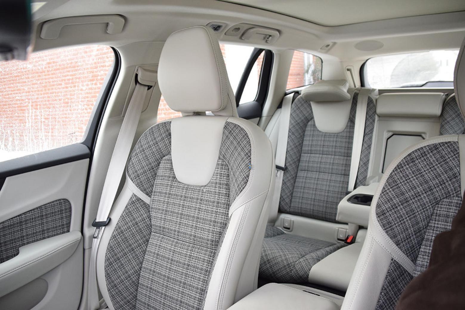 2019 Volvo V60 Awards