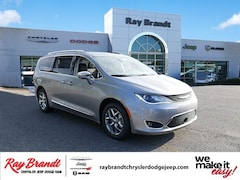 DYNAMIC_PREF_LABEL_INVENTORY_LISTING_DEFAULT_AUTO_NEW_INVENTORY_LISTING1_ALTATTRIBUTEBEFORE 2018 Chrysler Pacifica LIMITED Passenger Van