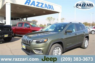 New 2019 Jeep Cherokee LATITUDE FWD Sport Utility 1C4PJLCB2KD327487 For Sale in Merced, CA