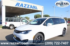New 2019 Chrysler Pacifica TOURING L PLUS Passenger Van for sale in Merced, CA