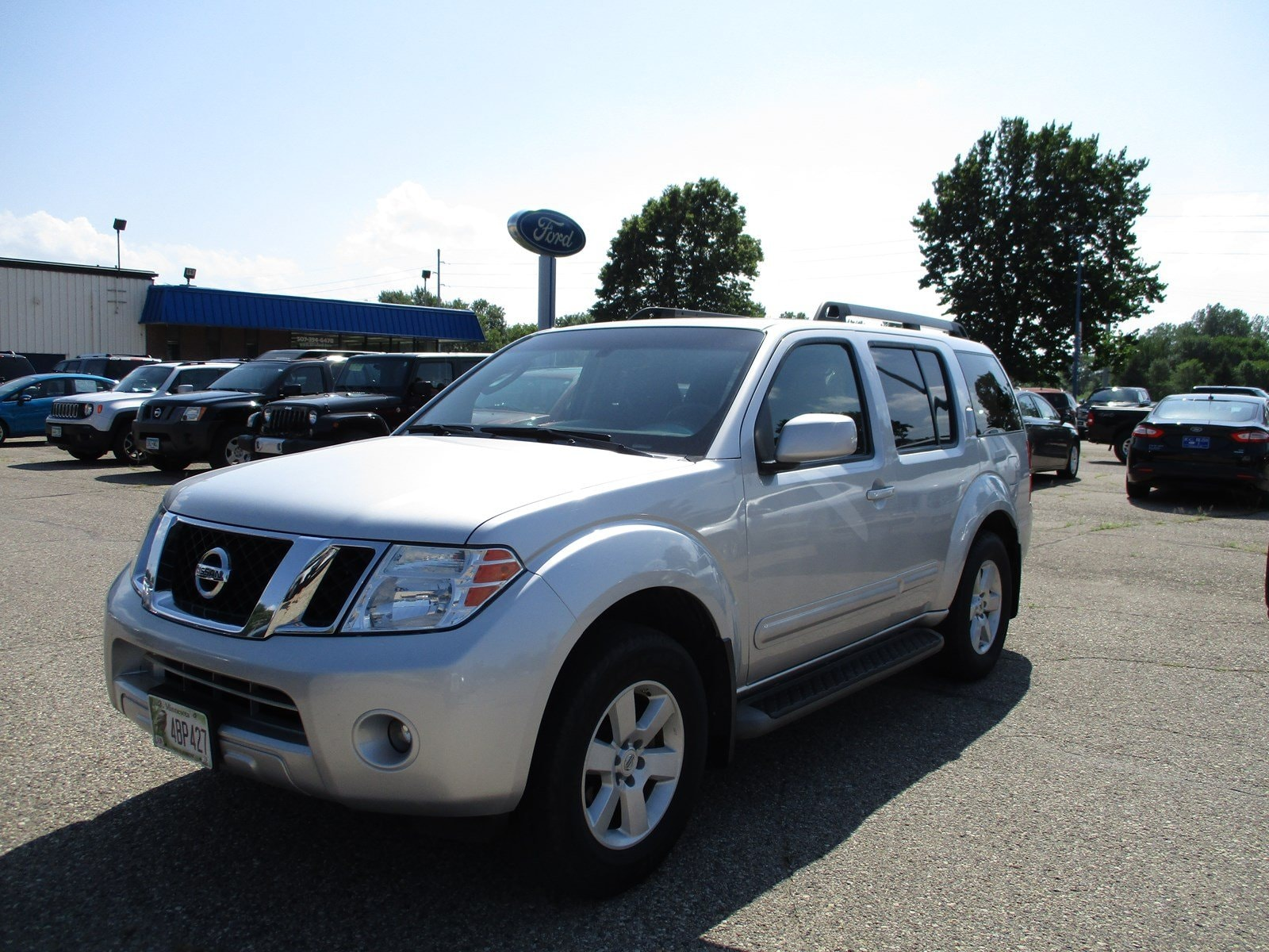 2009 Nissan Pathfinder SE 4WD  V6 SE