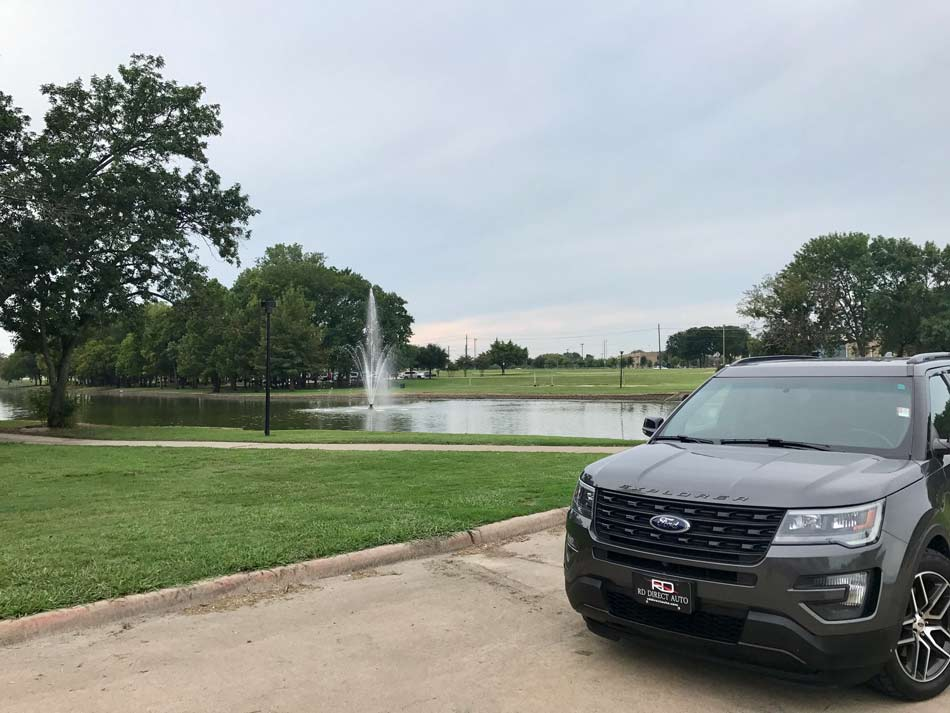 Image shows Ford Explorer in Mckinney and redirects to more information about our dealership, Reagor Dykes Directo Auto of Dallas serving the Mckinney region with doorstep delivery