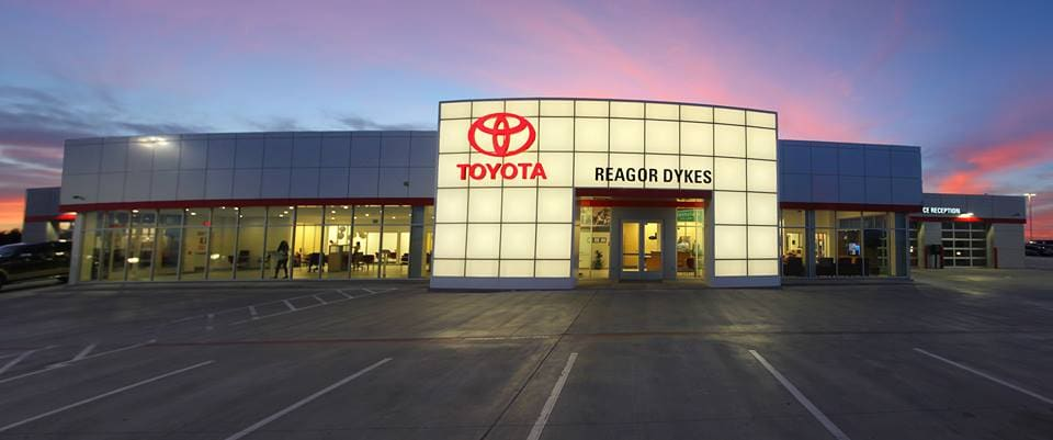 Reagor Dykes Toyota Plainview Showroom