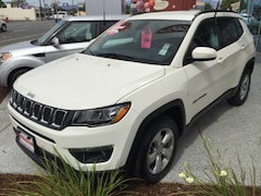 Certified Pre-Owned 2019 Jeep Compass Latitude 4x4 SUV 3C4NJDBBXKT597091 for Sale in Redding, CA