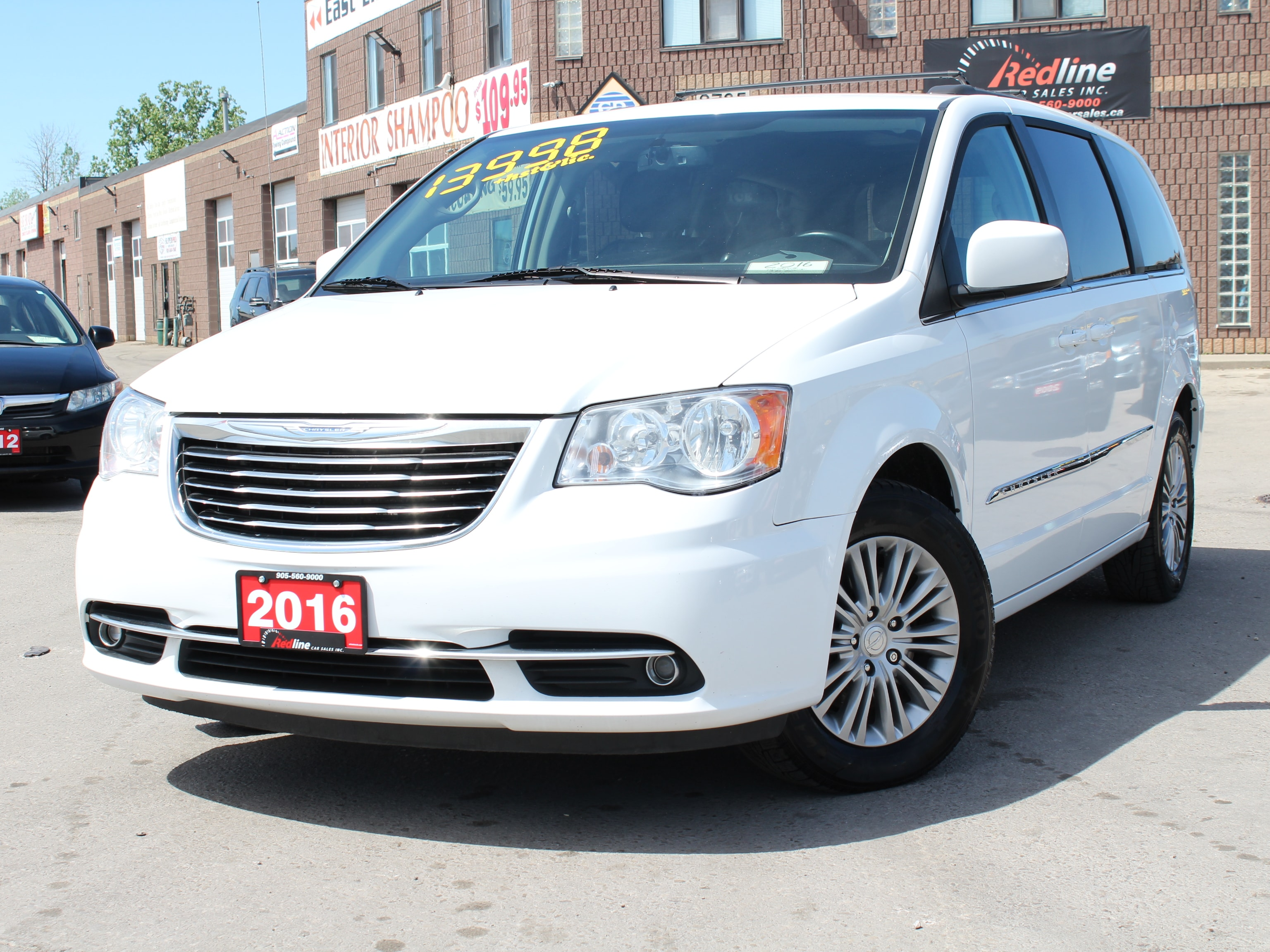 2016 Chrysler Town & Country Touring-L DVD-Camera-Bluetooth-Leather Van