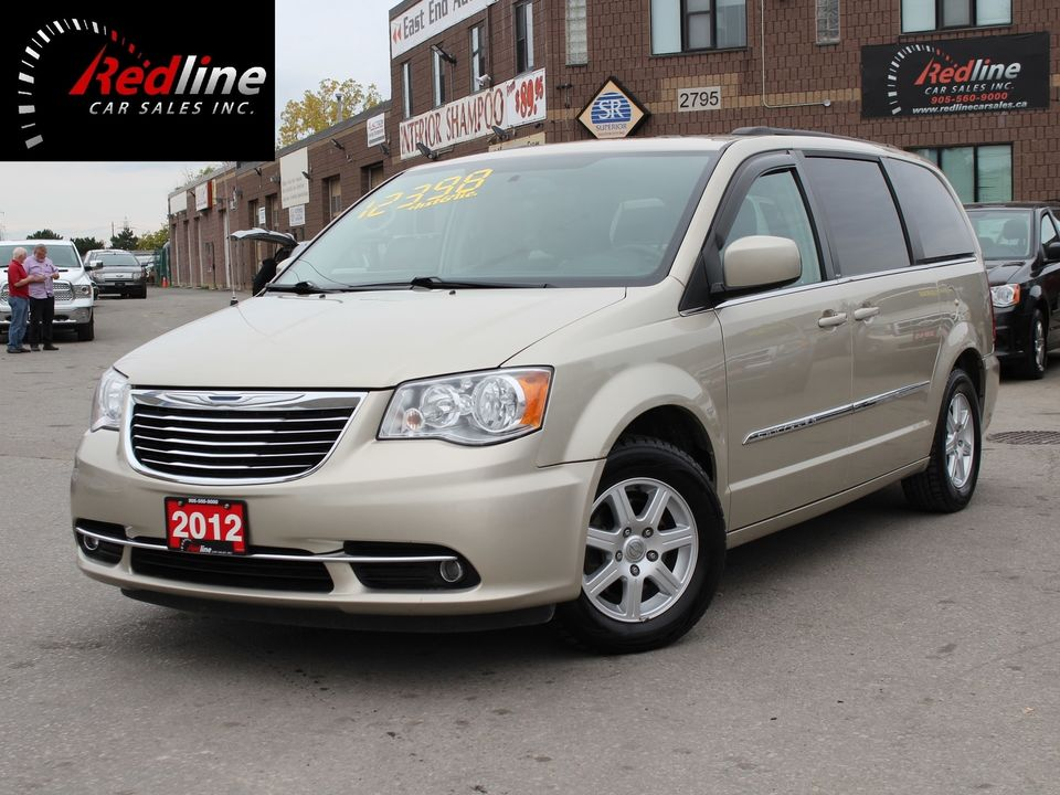 2012 Chrysler Town & Country Touring Navi-Dual DVD-Sunroof-Camera Van