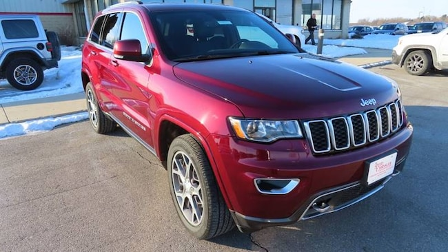 2018 Jeep Grand Cherokee Sterling Edition 4x4 4dr SUV SUV