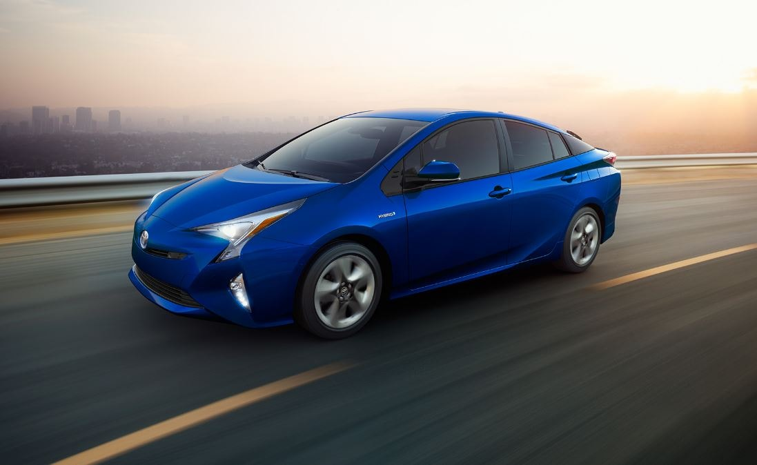 2017 Toyota Prius Prime Earns Top Honors From Kelley Blue Book