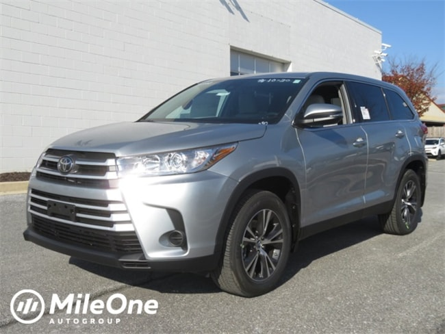 New 2019 Toyota Highlander LE V6 SUV in Baltimore