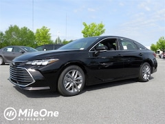 New 2019 Toyota Avalon XLE Sedan