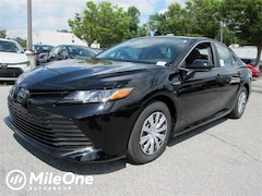 New 2019 Toyota Camry Hybrid Hybrid LE Sedan