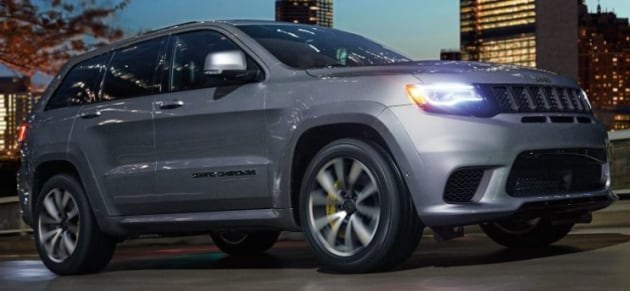 New Jeep Cherokee Trailhawk right side