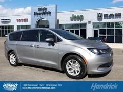 2017 Chrysler Pacifica Touring Minivan