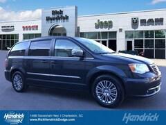 2014 Chrysler Town & Country Touring-L Minivan