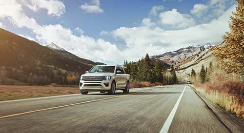2019 Ford Expedition driving