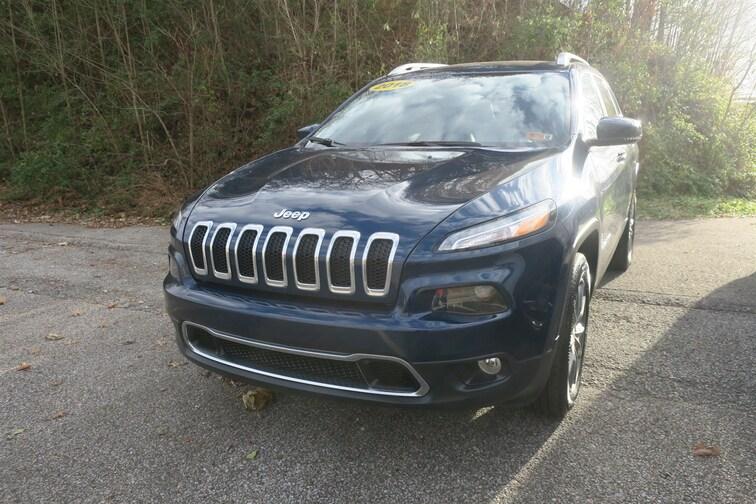 Used 2018 Jeep Cherokee Limited 4x4 SUV In Huntington