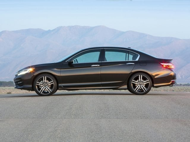 side view 2016 Honda Accord