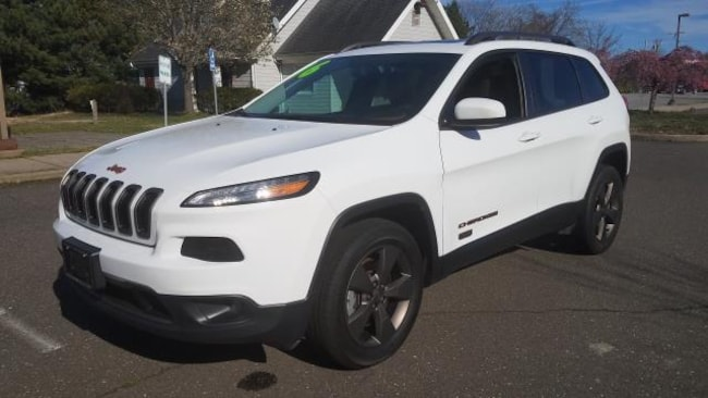 Used Inventory 2016 Jeep Cherokee Latitude 4x4 SUV for sale in Patchogue