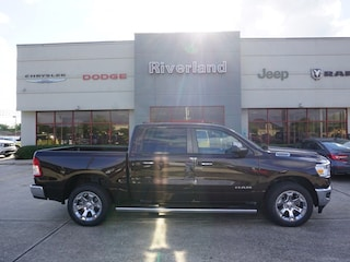 New 2019 Ram 1500 BIG HORN / LONE STAR CREW CAB 4X2 5'7 BOX Crew Cab 1C6RREFT1KN827482 in Laplace, LA