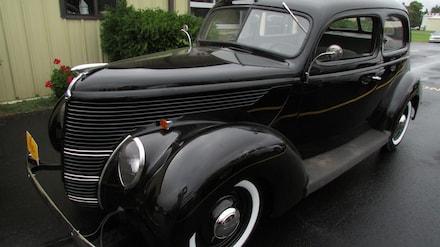 1938 Ford 2 Door Sedan 2 Door HT