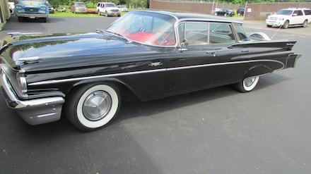 1959 Pontiac Catalina Catilina 4 Door HT Sedan
