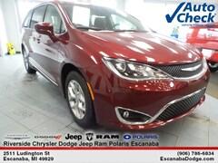 New 2019 Chrysler Pacifica TOURING L Passenger Van near Escanaba, MI
