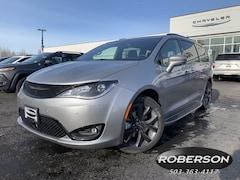 New 2019 Chrysler Pacifica TOURING L Passenger Van in Salem, OR