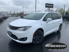 New 2019 Chrysler Pacifica Hybrid TOURING L Passenger Van in Salem, OR