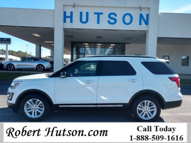2017 Ford Explorer XLT FWD SUV