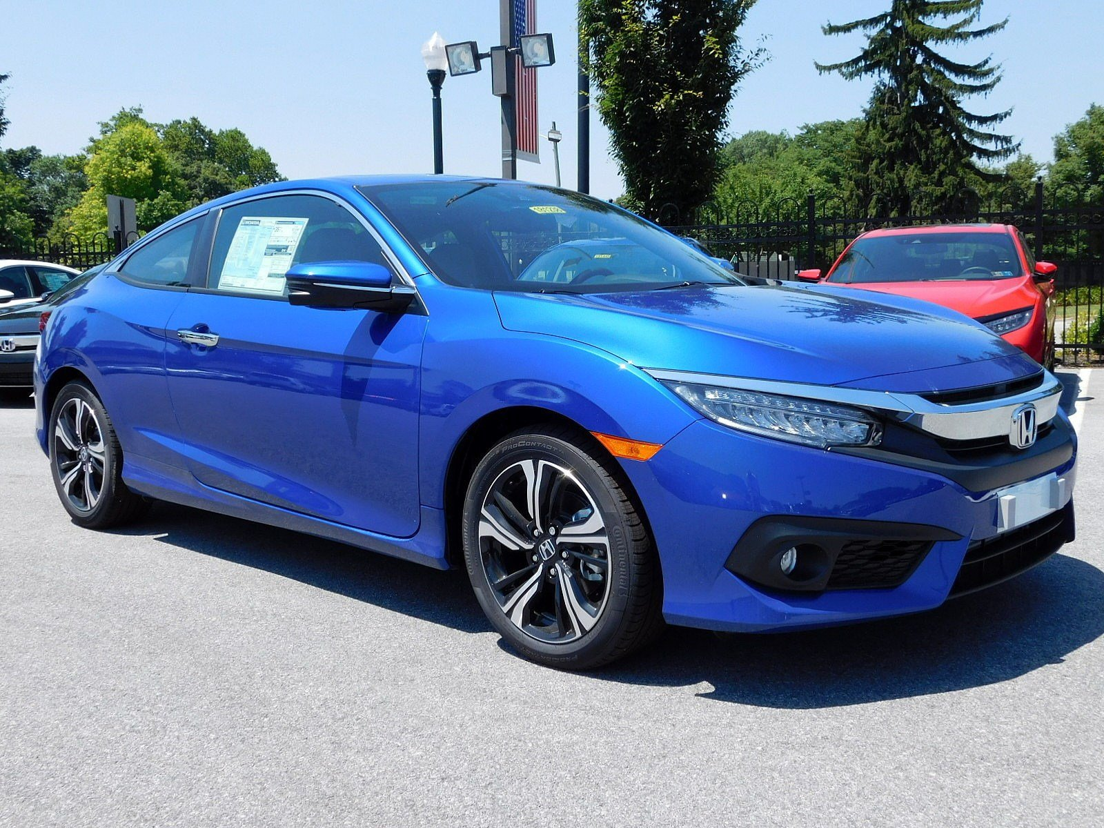 2018 Honda Civic Touring CVT 2dr Car