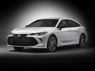 New 2019 Toyota Avalon Limited Sedan