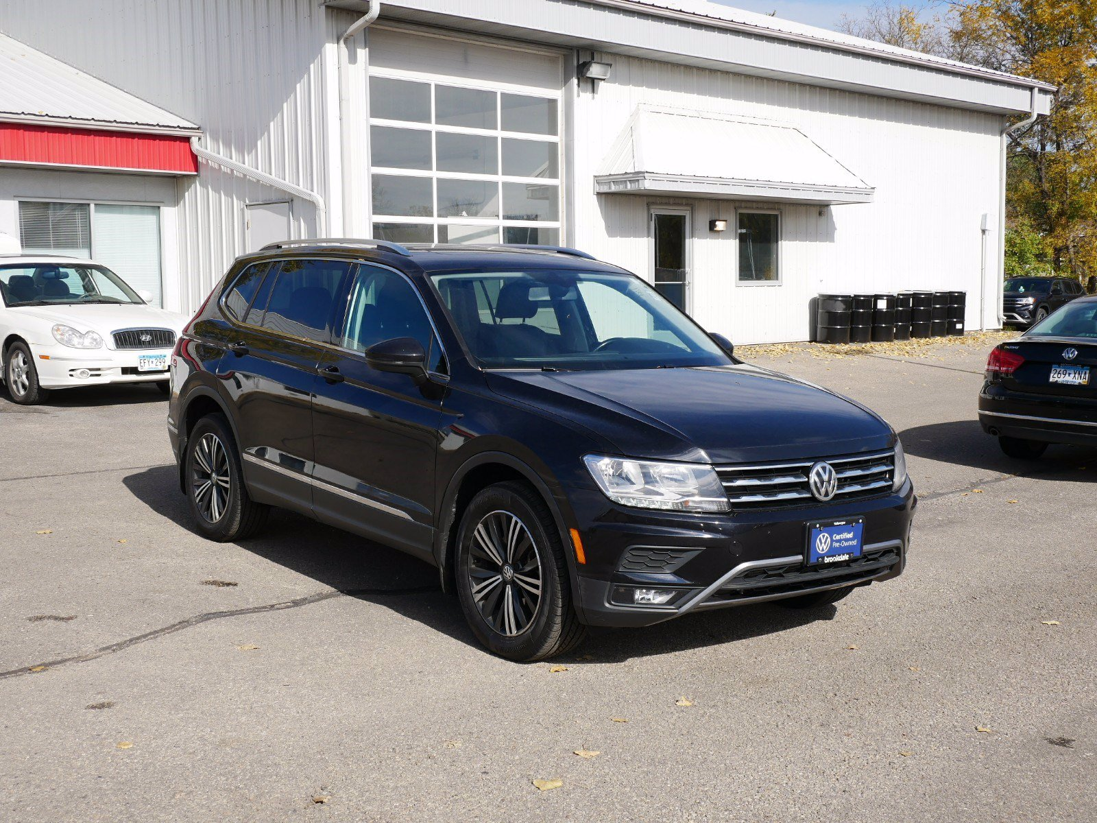 Used 2018 Volkswagen Tiguan SEL with VIN 3VV2B7AX6JM011060 for sale in Rochester, Minnesota