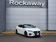 New 2021 Nissan Maxima SR Sedan 21RN824 for Sale near Valley Stream, NY, at Rockaway Nissan