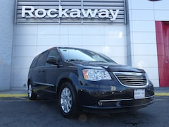 Used 2014 Chrysler Town & Country Touring Van UR7031 for Sale near Nassau County, NY, at Rockaway Nissan